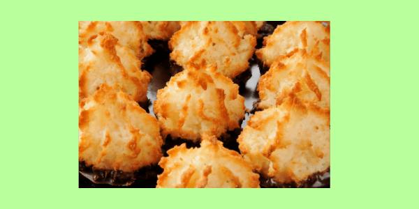 Kokosmakronen saftig und lecker. Sie sind einfach und schnell gemacht, perfekt für deine Weihnachtsbäckerei. Backen macht glücklich.